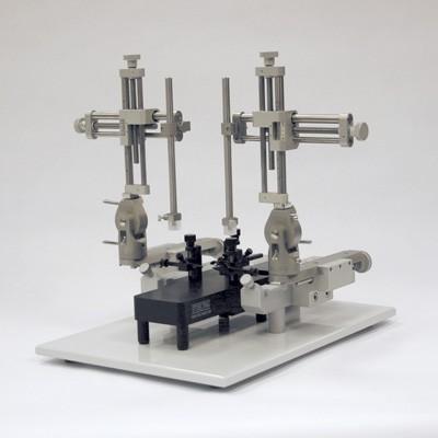 Estereot�xico Dual con adaptadores para rata y rat�n Lab Standard Stoelting
